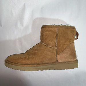 UGG AUSTRALIA size 9 light brown suede BOOTIES